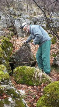 2016-та година преди влизане в пропастната пещера Яворец над село Зверино.
