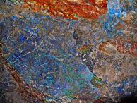 """Азоритови минерали в една доиздълбавана пещера над Миланово. Автор: Константин Стоичков ПК """"Хеликтит"""" София."""
