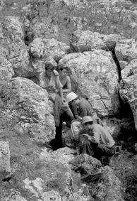 1966 -та година при откриването и проучването на пропастната пещера Яворец, над село Зверино.