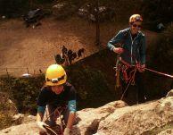 Ден втори. Мони и Валя се спускат от високото.