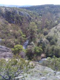 """На тези скални откоси се намират Туденските пещери.  Авсор: Константин Стоичков ПК """"Хеликтит"""" София."""
